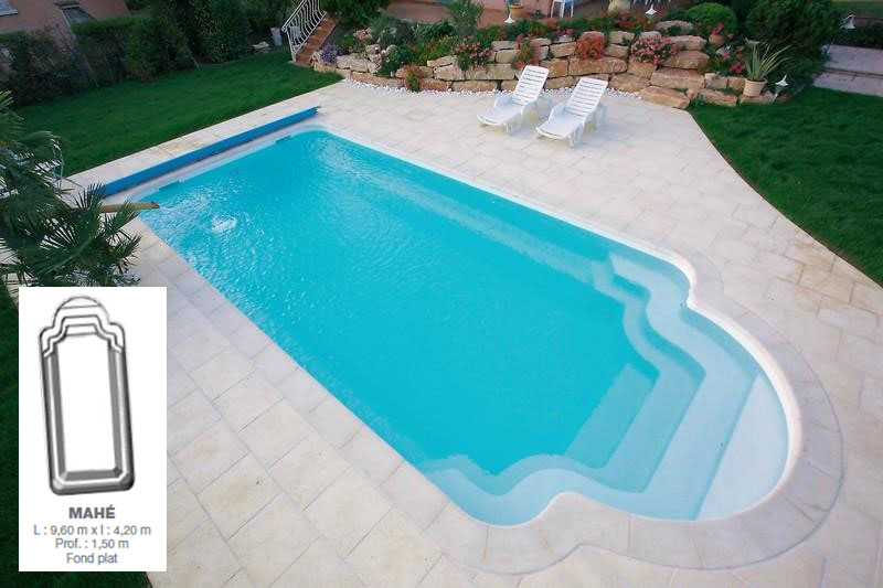 Piscines corail piscines for Piscine en dur ou coque
